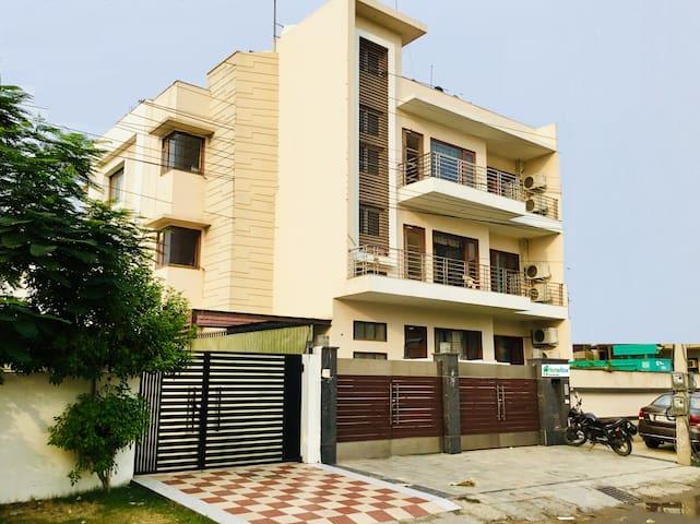 SunBeam | Entire 2BHK | Sec 45 Gurgaon | HudaCityC