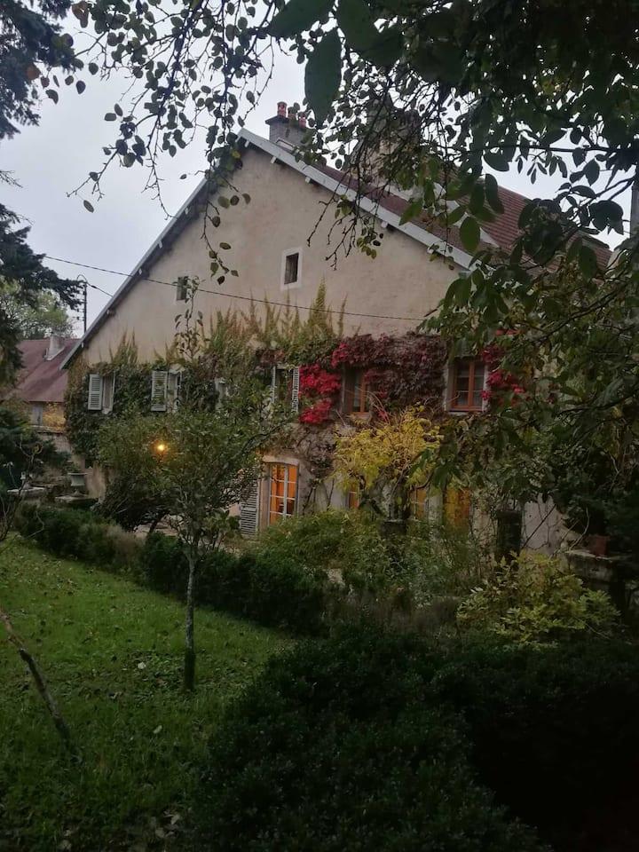 appartement dans charmante maison à la campagne