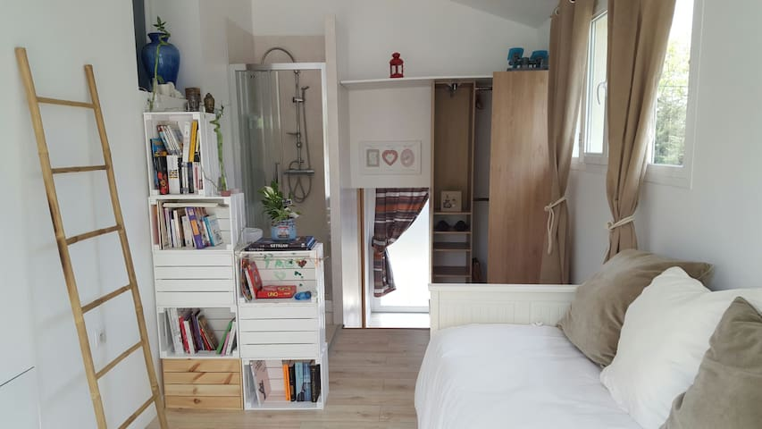 Beau studio au calme - Saint-Maximin-la-Sainte-Baume - บ้าน