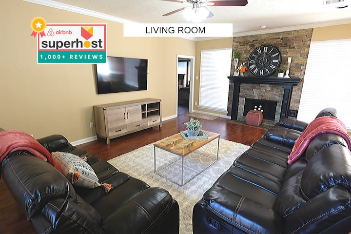 Large Houston Area Home, 2 Story, 14 Beds