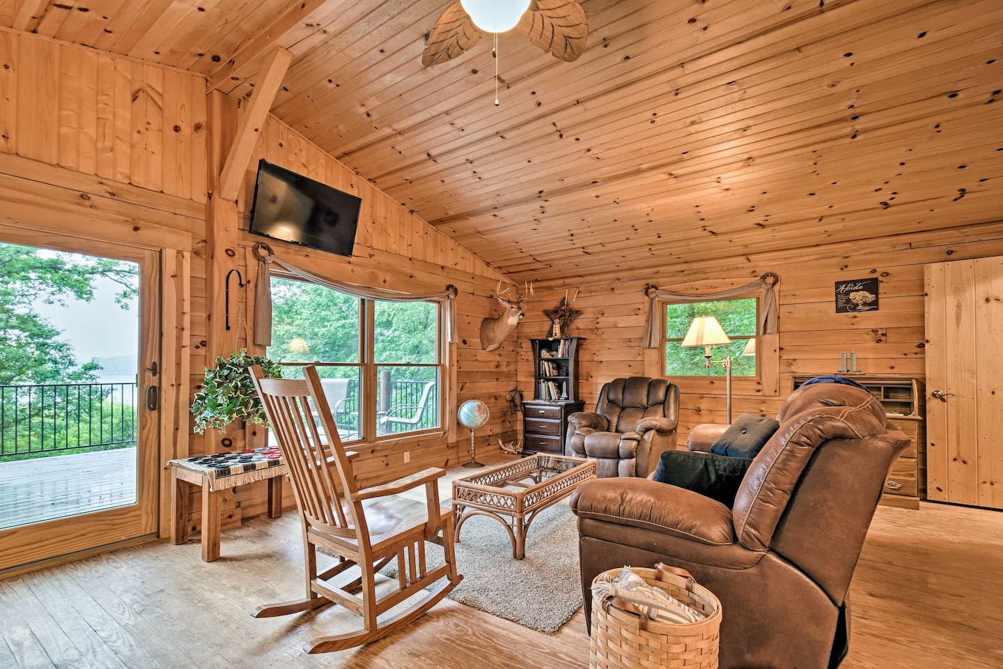 Spend a relaxing retreat at this vacation rental in Shipshewana!