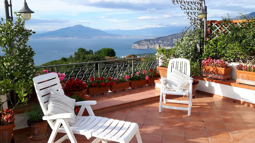 La terrazza sul golfo houses for rent in massa lubrense campania italy