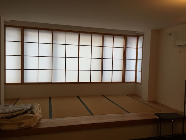 Spacy room in Japanese & Western style - Chūō-ku - บ้าน