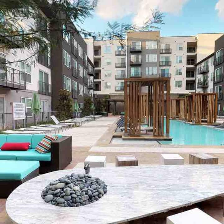 Downtown New 1 Bedroom Apartment / Trinity Groves