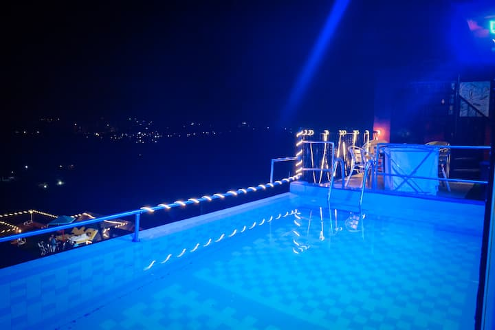 311 Shetty, Private pool, luxurious Party Paradise