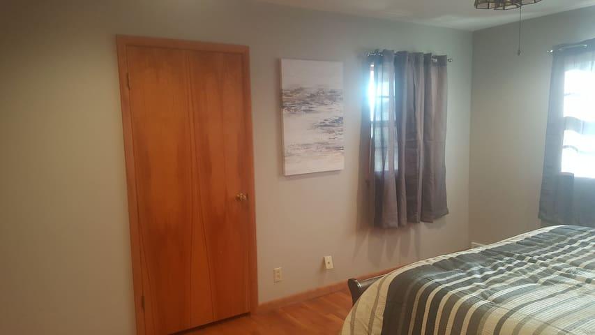 Master bedroom (bedroom #1)