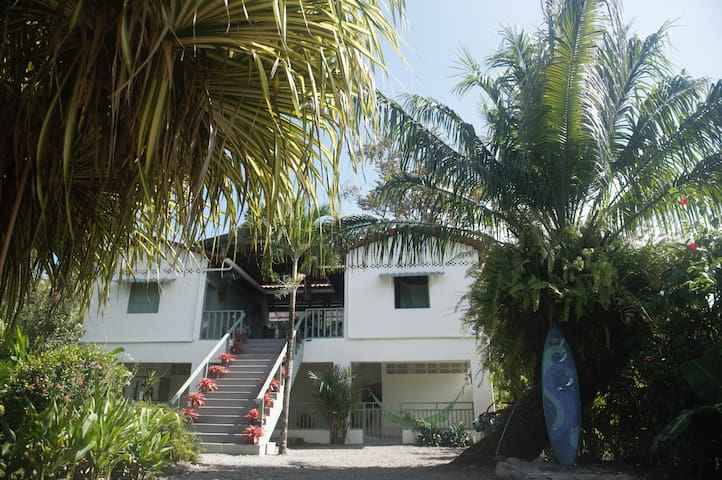 The Dutch rooms, Limon, Manzanillo (room 2 of 4) - Manzanillo - Apartamento