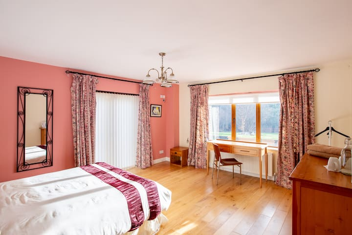 Double Room 1 with King Bed