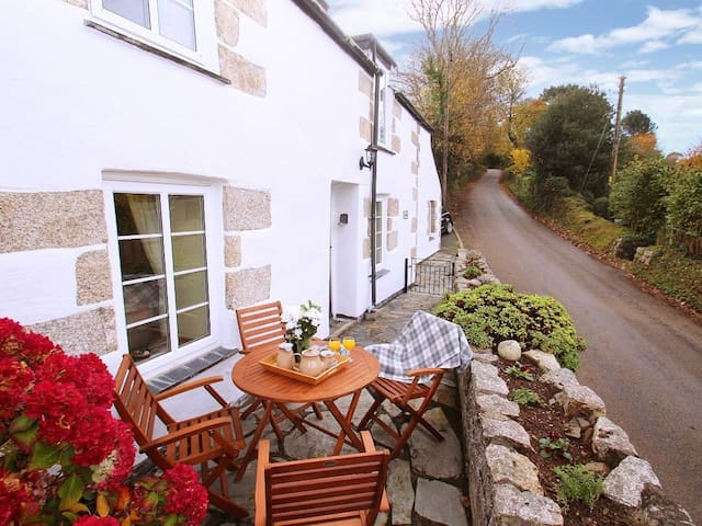 NANPARRA COTTAGE, family friendly in Falmouth, Ref 960053