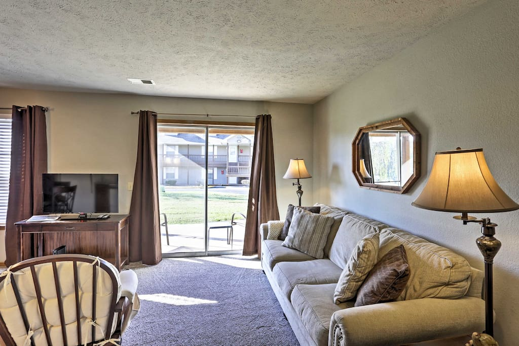 Look forward to spending your downtime relaxing on the living room's comfy couch, which pulls out into a queen-sized bed to accommodate 2 extra guests!