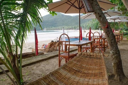 Km 31 Hostel and Glamping Site - Nagtabon Beach