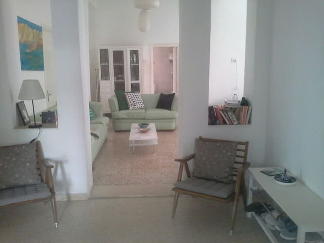 A 3 bedroom apt with garden - Amman