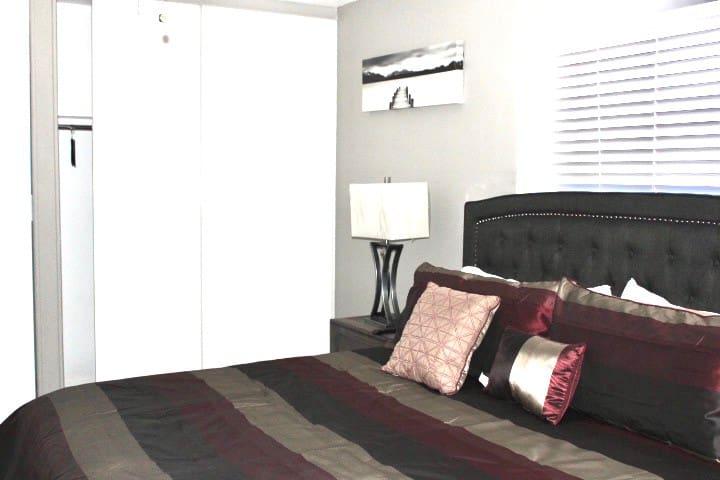 Master bedroom room 5