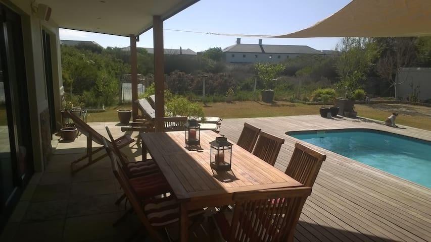 Atlantic Beach Family Home - Cape Town