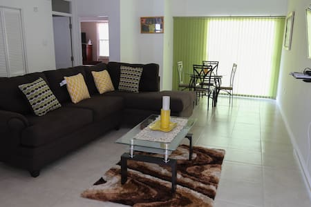 Gated, secure, modern,spacious condo in New Kgn