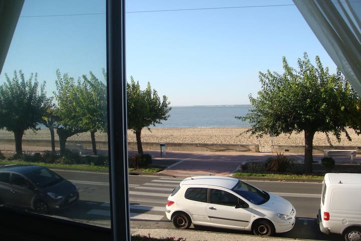 Grand Appartement lumineux à 20m de la plage Royan