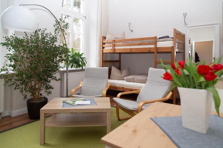 Zweibettzimmer mit Etagenbett - Schönhagener Mühle