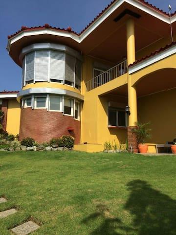 Mediterranean Style Villa - Binangonan - Hus