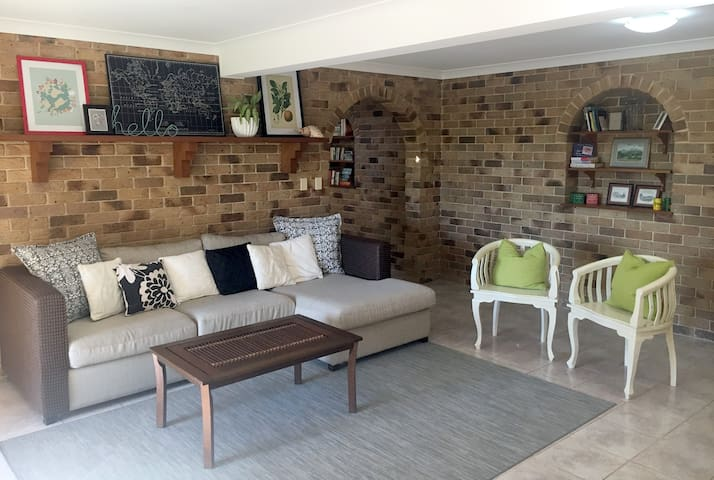 Tropical Garden Retreat - Walk to Beach and Town - Lennox Head - Huis