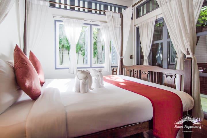 Baan Noppawong - Senior Suite Room