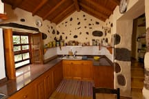 The kitchen/La cocina