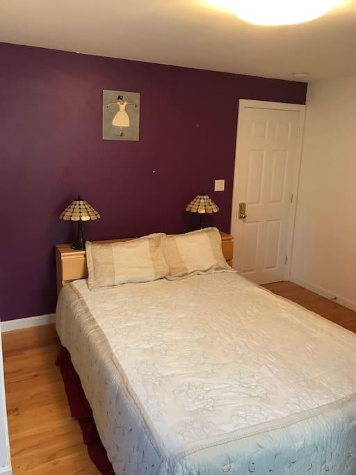Comfortable & functional 3rd bedroom