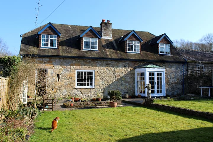 B&B Double or Twin room in a converted stone barn - Freshwater - Bed & Breakfast