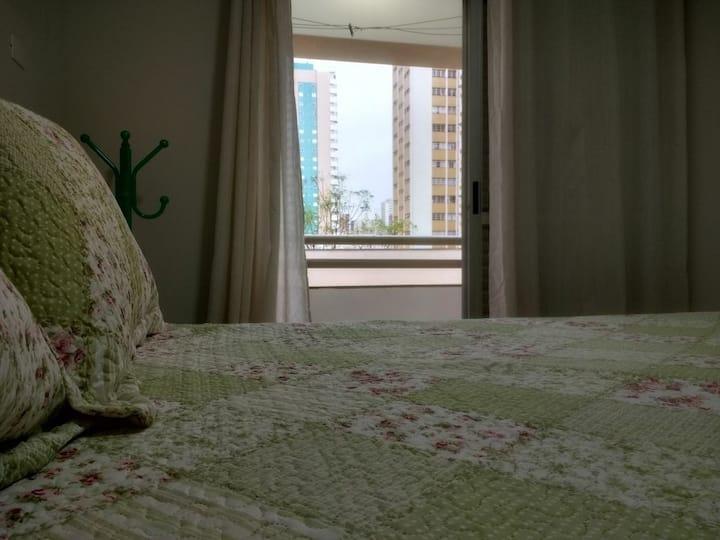 Apartamento Inteiro Centro de Maringá com Ar Cond!