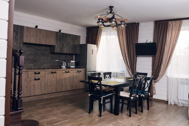 Уютный дом на Зеленой Поляне