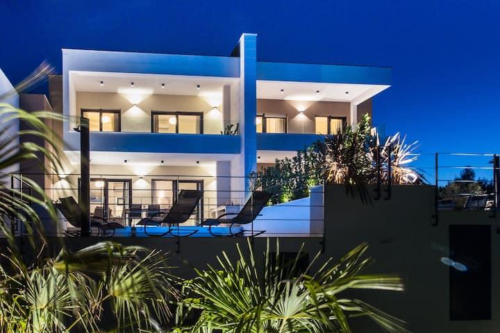 View Villas Collection - Villa Palm Tree