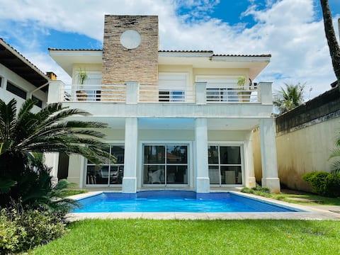 Casa Alto Padrão,100m from the Beach, Pool, Air Conditioning