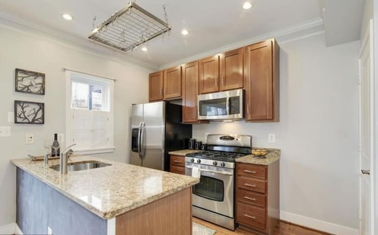 Spacious Three Bedroom Capitol Hill Row House