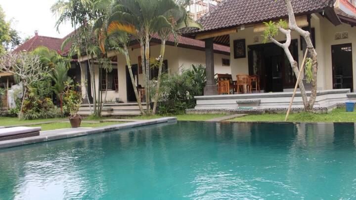 Huge Garden House @Alitwanara