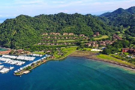 Relaxing 3 Bedroom Condo in Beautiful Los Suenos - Herradura