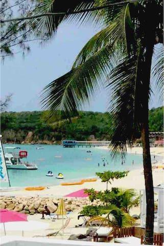 Dickenson Beach Paradise B