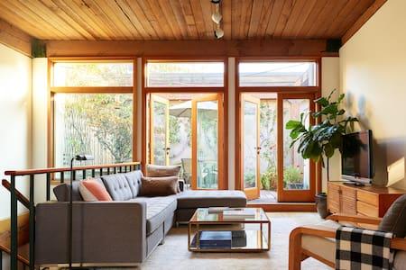 Private Urban Loft w/Garden - Seattle - Loft