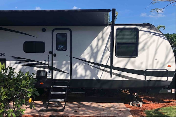 Spacious and cozy brand new RV