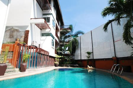 25 sqm Standard Room with Balcony - Tambon Patong - ลอฟท์