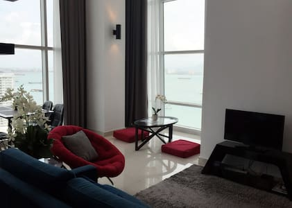 SEAVIEW Duplex Stylish Suite - Kondominium