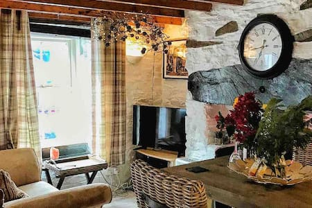 Slate miner's cottage in the heart of Snowdonia