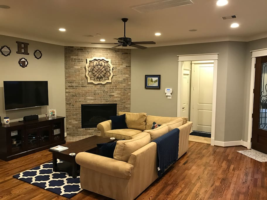 Living room with large sectional.