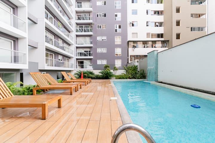 Modern Luxury 1BR/1.5BA in the heart of Miraflores