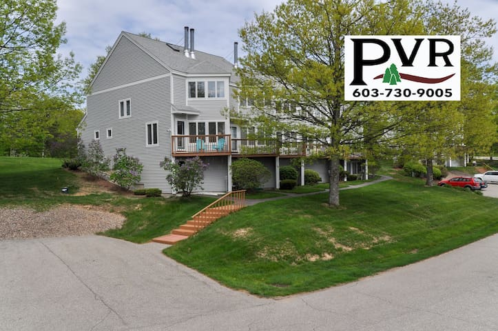 4 Level Condo Near Storyland. Mtn Views, Pool, Tennis, Grill, AC, Cable, WiFi - 37 Partridge Woods