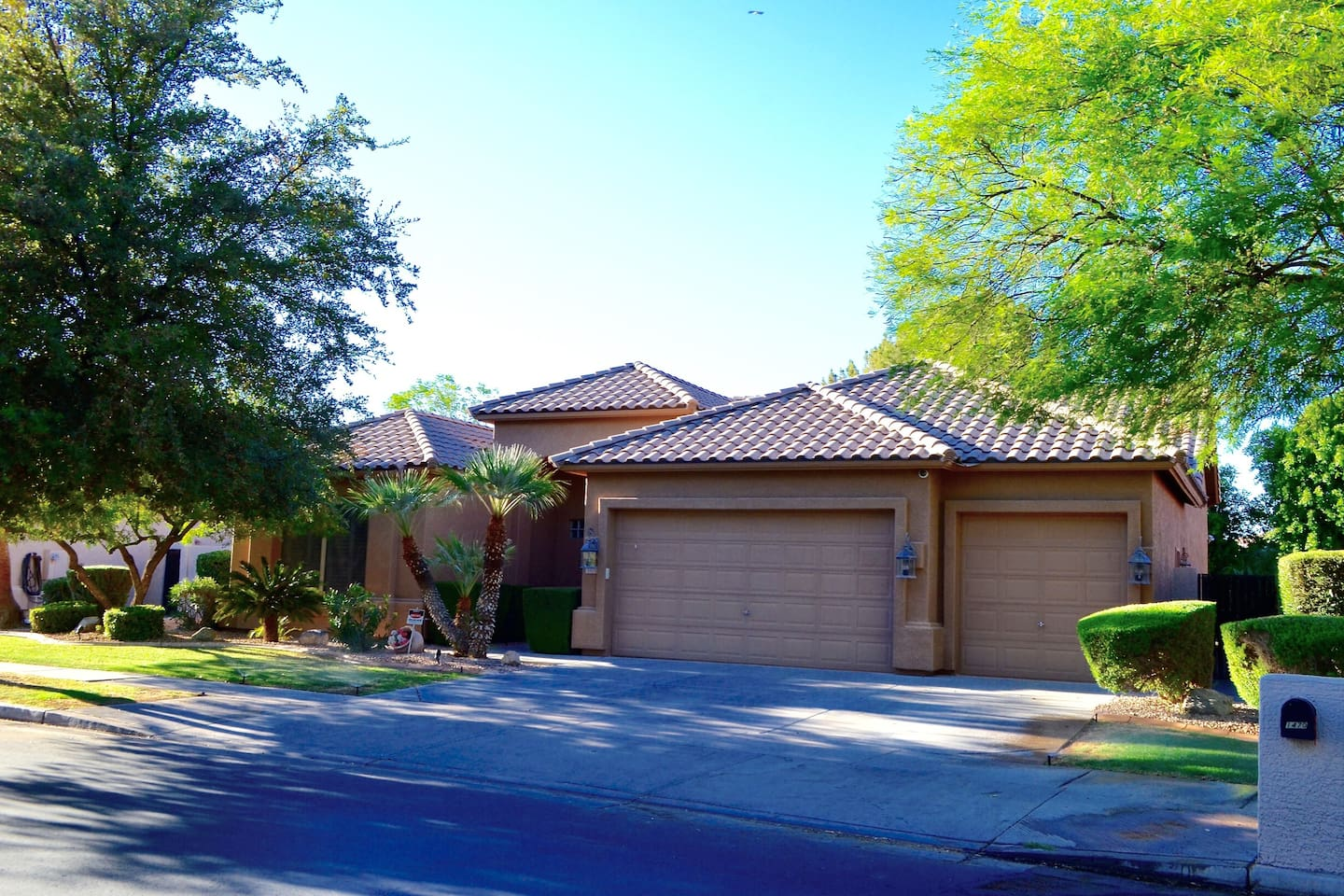Ocotillo Upgraded Home with Heated Pool