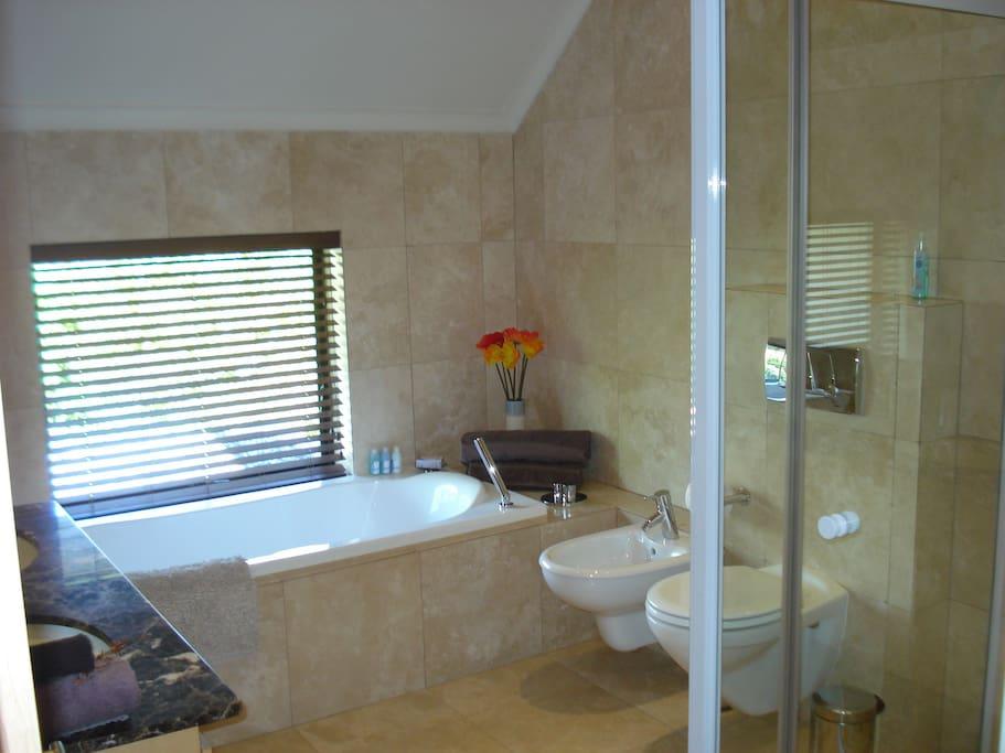 4.5 Spacious bathrooms