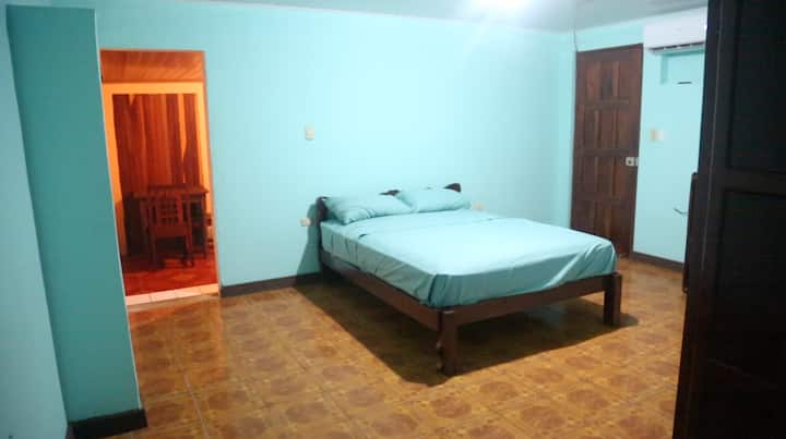 Downtown Quepos Gem Walking Distance to Everything