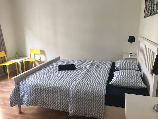 COMFORTABLE AND PLEASANT ROOM IN PASEO DE GRÀCIA