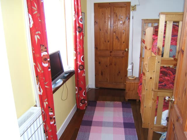 Twin bunk bed room, Newmilns, Kilmarnock, Ayrshire