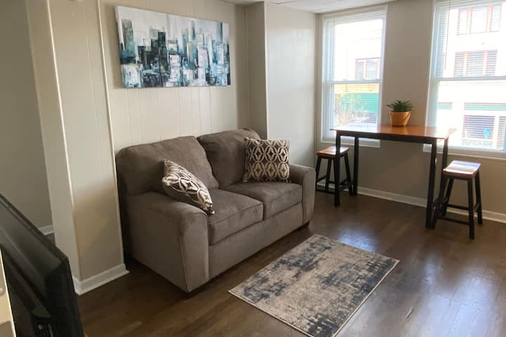 Modern apartment in downtown Coshocton
