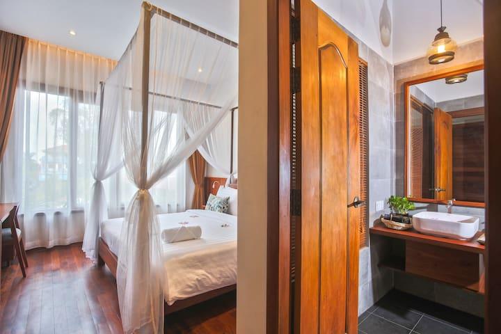 Bedrooms with ensuite bathrooms
